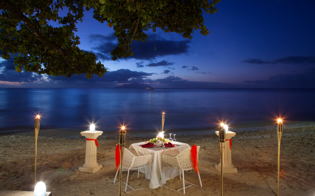 seychelles romantic dinner